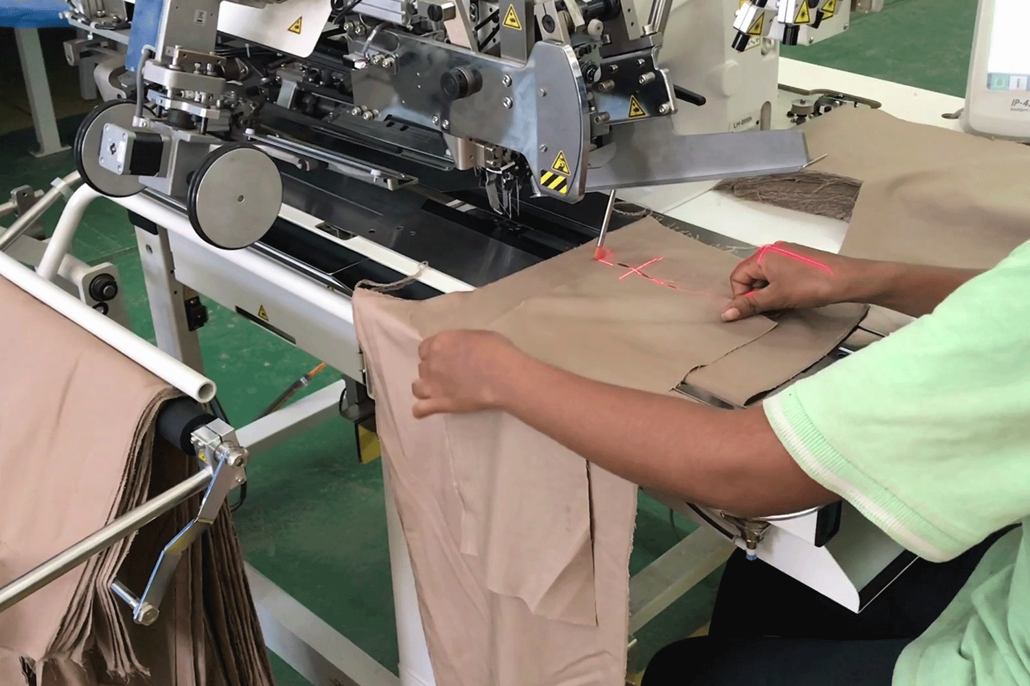 13_4.sewing-machine_garment-project-(2)