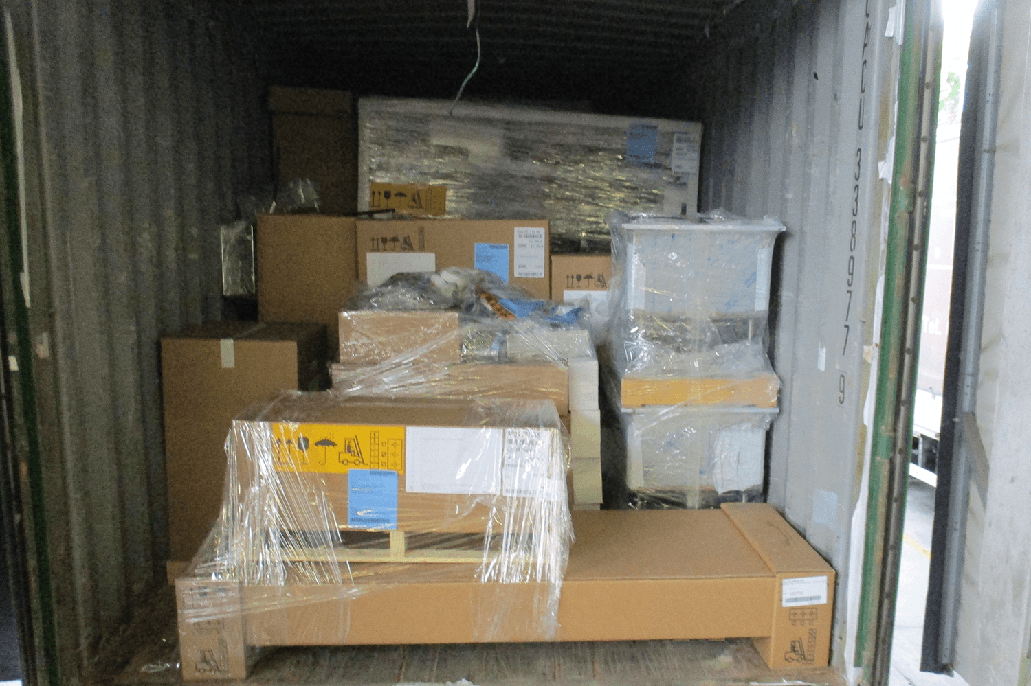5.loading_hotel furniture_equipment project (5)